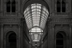 Galleria-V.E.-milano-100x100cm-libro-small